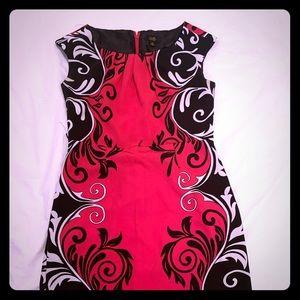 ILE New York dress pink, white and black size 8